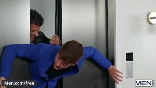 Stud (JJ Knight) Eats Out Twinks (Joey Mills) Tight Small Butt Pounds Him In An Elevator – Men