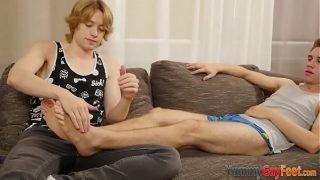 Teen twink massages feet